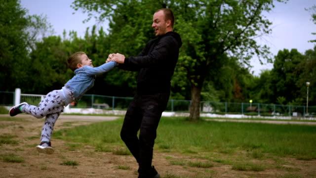 Spielen mit Vater