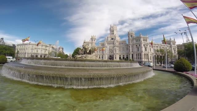 plaza cibeles - スペイン国旗点の映像素材/bロール
