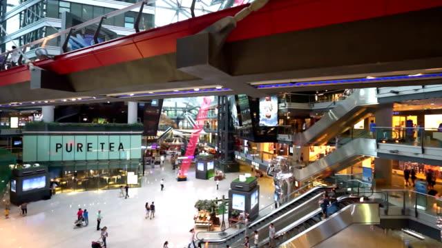 vídeos de stock e filmes b-roll de praça interior em pequim, 4 k - shopping centre