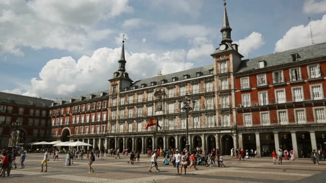 plaza mayor symbol buidling, in madrid - panoramic stock videos & royalty-free footage