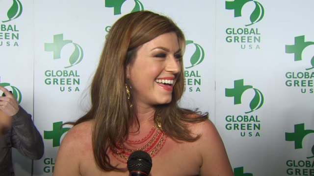 vídeos y material grabado en eventos de stock de pleasant wayne on being part of the night, what message she'd send to the public about going green, why she supports global green's efforts at the... - fiesta de los óscar
