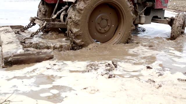 Durch Traktor gepflügt Field