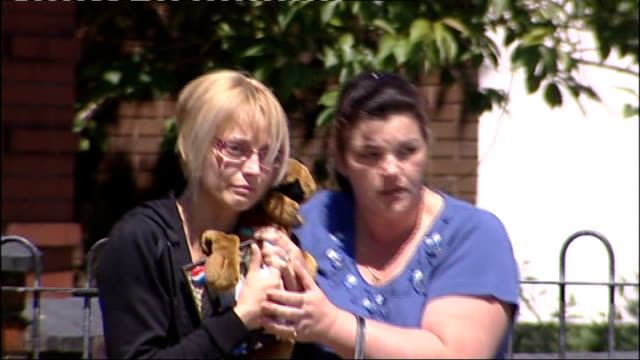 plymouth goalkeeper granted bail following fatal m6 crash england staffordshire stokeontrent ext amanda peak holding teddy bear as leaves court with... - 保釈点の映像素材/bロール