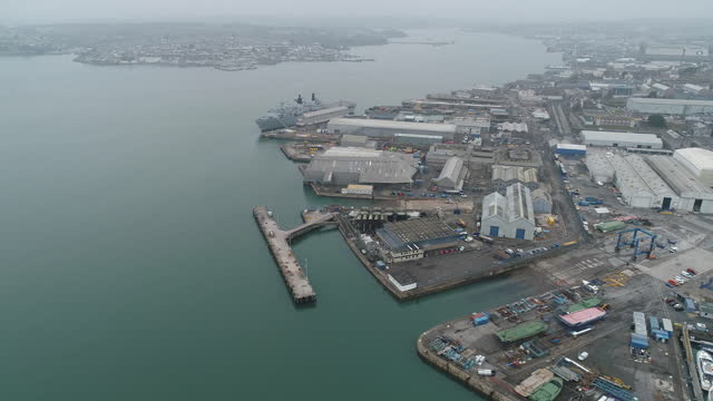 vídeos y material grabado en eventos de stock de plymouth port as it is to become freeport, aerial view. davenport will be one of the new english freeports, low-tariff business zones being created... - export palabra en inglés