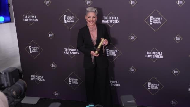 pnk at the 2019 e people's choice awards at barker hangar on november 10 2019 in santa monica california - pink stock videos & royalty-free footage