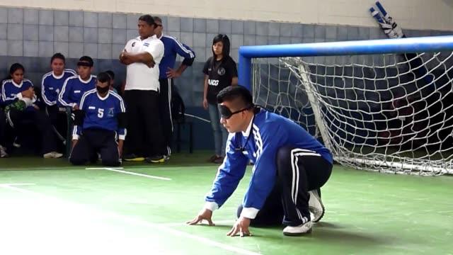 a pocos dias de los juegos paralimpicos de londres atletas ciegos y con deficiencia visual de guatemala el salvador honduras y mexico participaron en... - la city de londres stock videos and b-roll footage