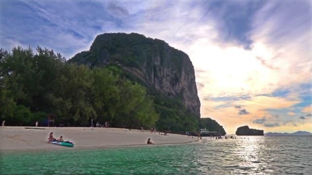 poda island - provinsen krabi bildbanksvideor och videomaterial från bakom kulisserna