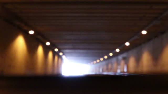 4k視点駆動トンネル - トンネル点の映像素材/bロール
