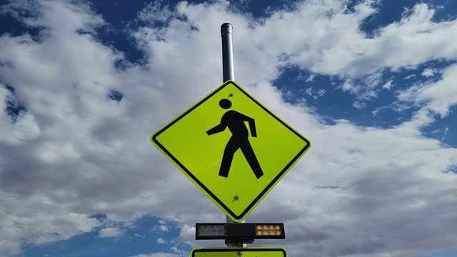point of view : looking up at a crosswalk sign with flashing lights - 1951 stock videos & royalty-free footage