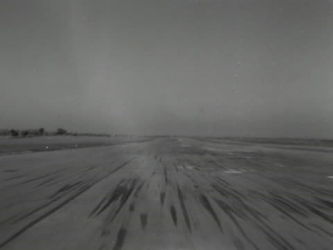 vidéos et rushes de point of view shot from the cockpit of an raf canberra aircraft as it takes off. 1953. - aircraft point of view