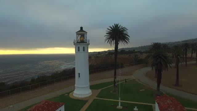 point vicente lighthouse: rancho palos verdes, ca - palos verdes stock videos & royalty-free footage