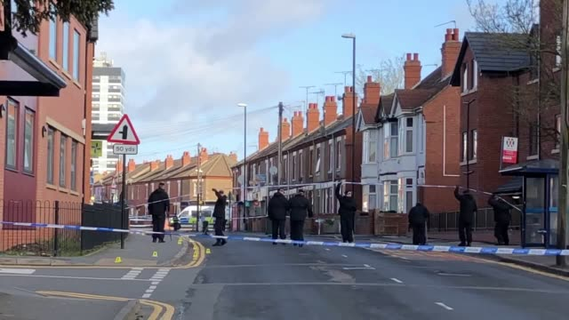 police activity at the scene of a fatal stabbing in coventry. police said a 16-year-old boy died after being found injured in clay lane, stoke, on... - コベントリー点の映像素材/bロール