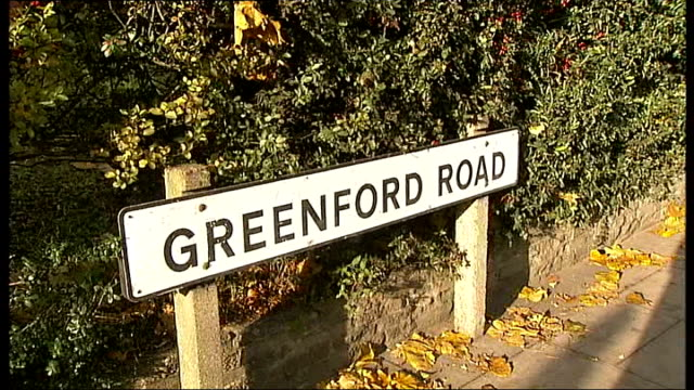 police appeal for witnesses in greenford murder investigation new scotland yard detective chief inspector noel mchugh interview sot **mchugh... - 証人点の映像素材/bロール