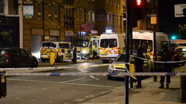 police are dealing with a major incident on london bridge transport for london said on saturday as well as another incident in nearby borough market... - terrorism stock videos & royalty-free footage