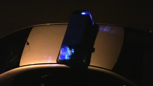 polizei auto (nahaufnahme)-(hd ntsc und pal - blaulicht stock-videos und b-roll-filmmaterial