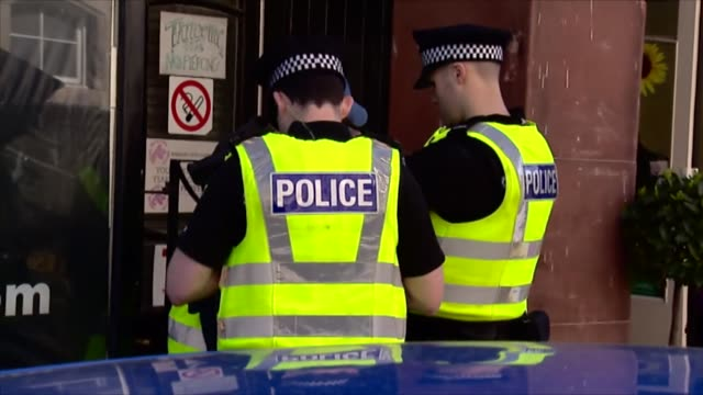 police carry out stop and search in glasgow to help combat knife crime, scotland - 刺傷事件点の映像素材/bロール