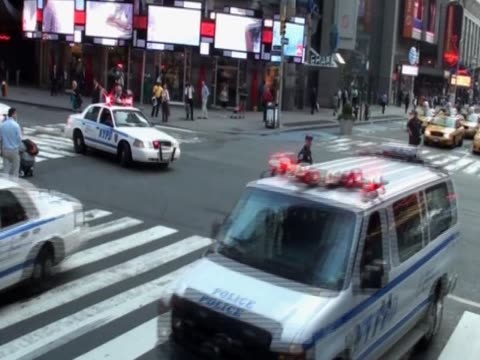 stockvideo's en b-roll-footage met police cars in new york are deployed for the 10th anniversary of the 9/11 terrorist attacks - number 9