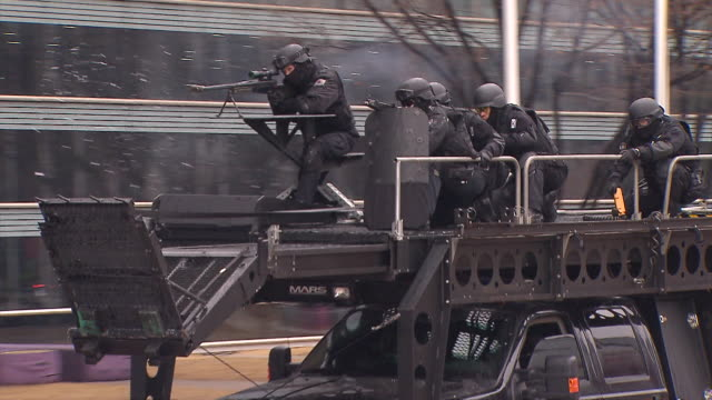 ms ts police commando exercising against terror / incheon, south korea - aggression bildbanksvideor och videomaterial från bakom kulisserna