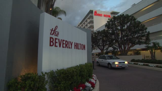 police / crime scene whitney houston found dead at the beverly hilton hotel before clive davis and the recording academy's 2012 pregrammy gala and... - the beverly hilton hotel stock-videos und b-roll-filmmaterial