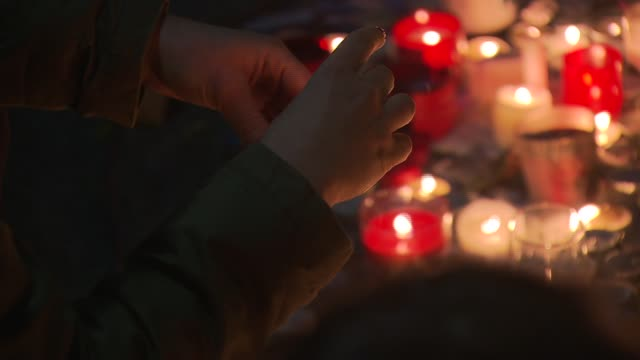 police early saturday freed hostages at paris concert venue bataclan where more than 100 people have died. in the aftermath of the devastating terror... - terrorism bildbanksvideor och videomaterial från bakom kulisserna