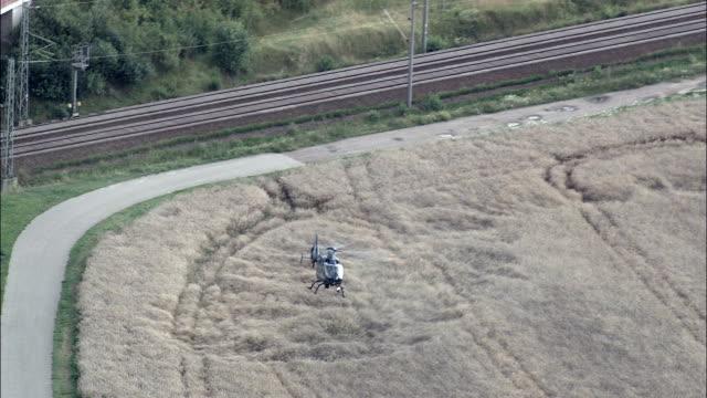 Polizei-Hubschrauber - Luftbild - Sachsen-Anhalt, Hubschrauber Dreharbeiten, aerial Video, Cineflex, Gründung Schuss, Deutschland