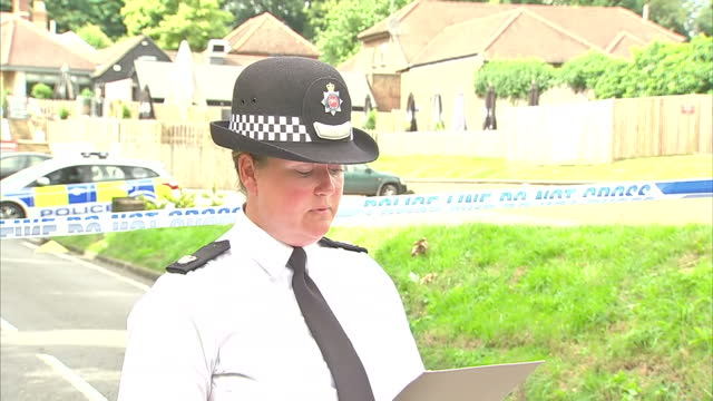 stockvideo's en b-roll-footage met police in surrey have appealed for information about a mini car, after a man was killed in a shooting at a pool party. the victim in his 30's was... - poolparty