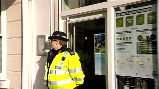 police investigate suspected letter bombs; england: east sussex: brighton: ext bomb disposal team at scene of suspected letter bomb - unloding... - roped off stock videos & royalty-free footage
