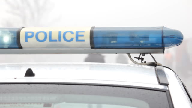 polizei lichter - blaulicht stock-videos und b-roll-filmmaterial