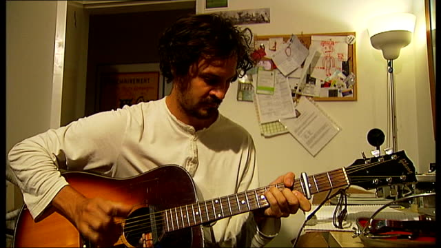 vídeos de stock, filmes e b-roll de police officer escapes prison sentence after dangerous driving conviction t23081201 / tx various of pepe belmonte playing the guitar whilst wearing a... - brace