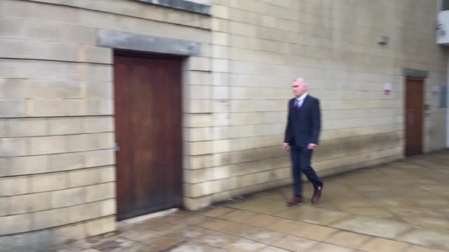 vidéos et rushes de police officer, jason farquhar leaving northampton magistrates court after denying charges of sexual assault, misconduct in a public office,... - northampton