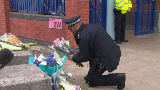 police officer shot dead at croydon custody centre rising violence against police officers england london ext reporter and ken marsh reporter ken... - carefree stock videos & royalty-free footage