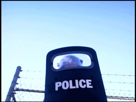 police with shield - 盾点の映像素材/bロール