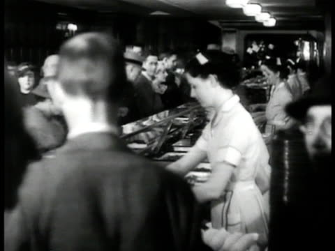 policeman directing traffic int crowded cafeteria int crowded tap room int crowded mayflower hotel cocktail lounge. - 1935 stock videos & royalty-free footage