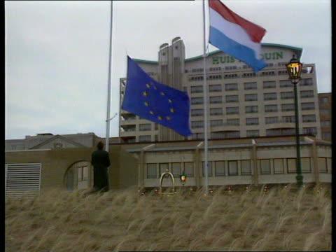 Huis Ter Duin as EC flag is lowered ZOOM IN