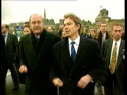 anglo-french summit: defence/taxation; pool st malo ext president jacques chirac and british prime minister tony blair mp along int blair sitting for... - lionel blair stock videos & royalty-free footage