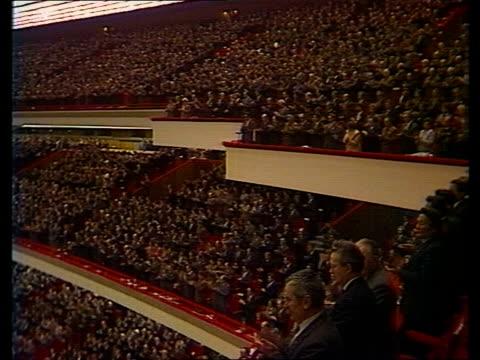 gorbachev/ resistance to reforms gorbachev at this years communists party congress = tx 6386 gorbachev speaking = tx 6386 - 改革点の映像素材/bロール