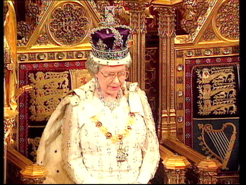 house of lords reform conservative plans itn house of lords seq scenes from state opening of parliament with queen elizabeth ii telling chamber to be... - the queen's speech state opening of uk parliament stock-videos und b-roll-filmmaterial