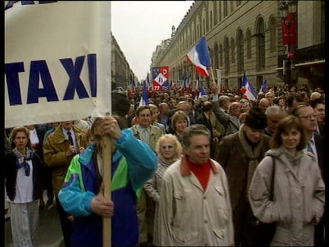 presidential elections: le pen; politics: presidential elections: le pen; itn france, paris tgv crowd of french national front party supporter... - placard stock videos & royalty-free footage