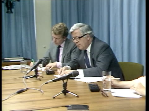 Sir Geoffrey Howe interview ITN TV Monitors as Sir Geoffrey replies to question