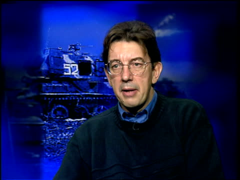 russians warn chechens to leave grozny within 5 days; itn england: int paul beaver interview sot - taking the capital is almost medieval/ will just... - grosny stock-videos und b-roll-filmmaterial