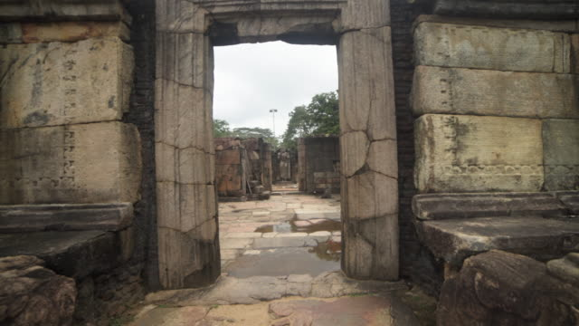 polonnaruwa hatadage ancient city at sri lanka - wallfahrt stock-videos und b-roll-filmmaterial