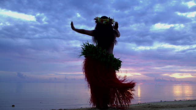 polynesian girl in grass skirts and flower headdress - headdress stock videos & royalty-free footage