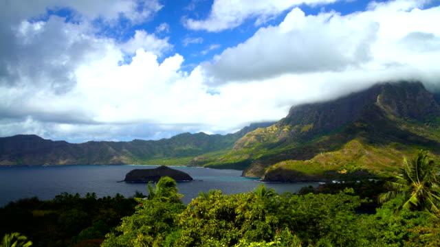 polynesian paradise atuona hiva oa ocean bay marquesas - polynesischer abstammung stock-videos und b-roll-filmmaterial