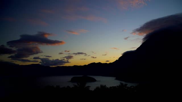 polynesian sunrise atuona hiva oa ocean bay marquesas - remote location bildbanksvideor och videomaterial från bakom kulisserna