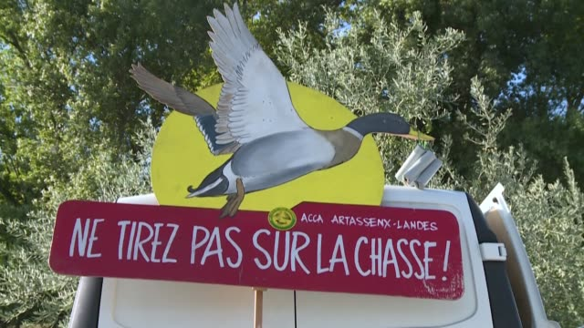 """""""pompili, resign!"""" a thousand hunters demonstrate in prades, the stronghold of french prime minister jean castex, to defend their practice and... - bird hunting stock videos & royalty-free footage"""