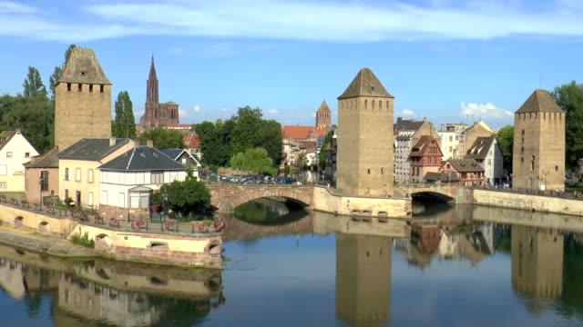 vidéos et rushes de pont couverts à strasbourg, france - strasbourg