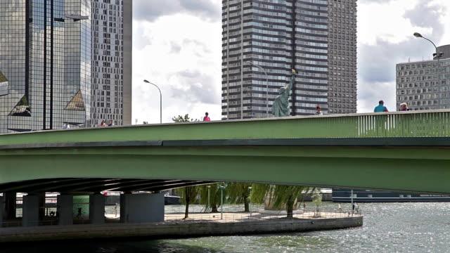"""Pont de Veranstaltungsraum """"Grenelle"""" A Paris"""