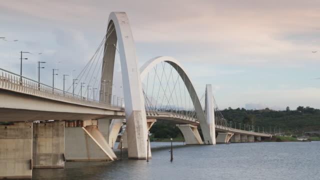 ls ponte juscelino kubitschek bridge / brasilia, brazil - juscelino kubitschek bridge stock videos & royalty-free footage