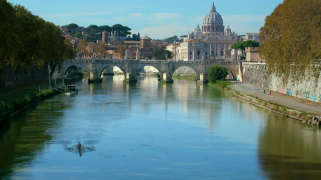 ponte sant' angelo & st. peters basilica, rome, italy - ponte video stock e b–roll