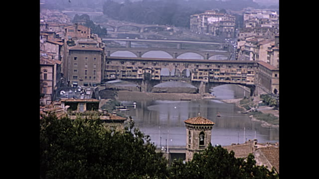 1964 ponte vecchio - florence, italy - home movie - florenz italien stock-videos und b-roll-filmmaterial